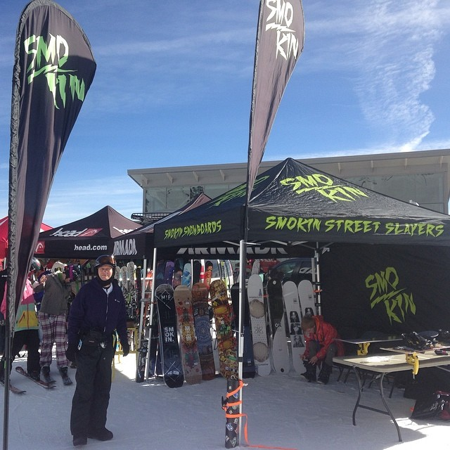 Demo at Mt Rose In Tahoe today. Come try the new boards- beautiful day to be in the mountains! #thankyousnowboarding! #forridersbyriders #handmadelaketahoe #smOKin