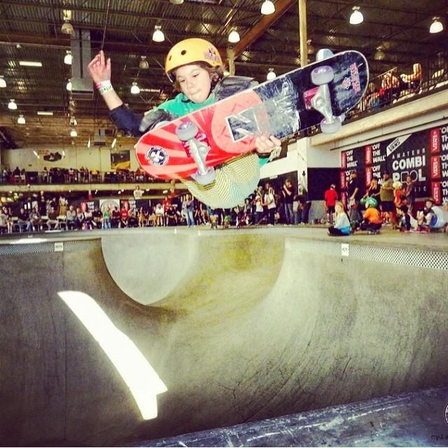 @rylanmancilla #vans #combiam #contest. #grom #bowlrider #stalefish #skateboarding Rylan wears the #s1 #kidhelmet . #s1helmets