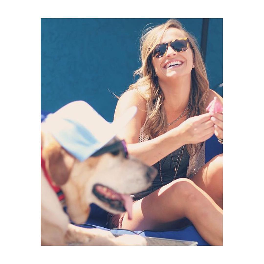 It's Friday! Hang out with your bestie and be happy.  @jacquelynkdavis is wearing the Big Riskys / tortoise sunglasses. Available at www.hovenvision.com.  #hovenvision #whatsyourvision #dontworrybehappy #puppiesmakemehappy
