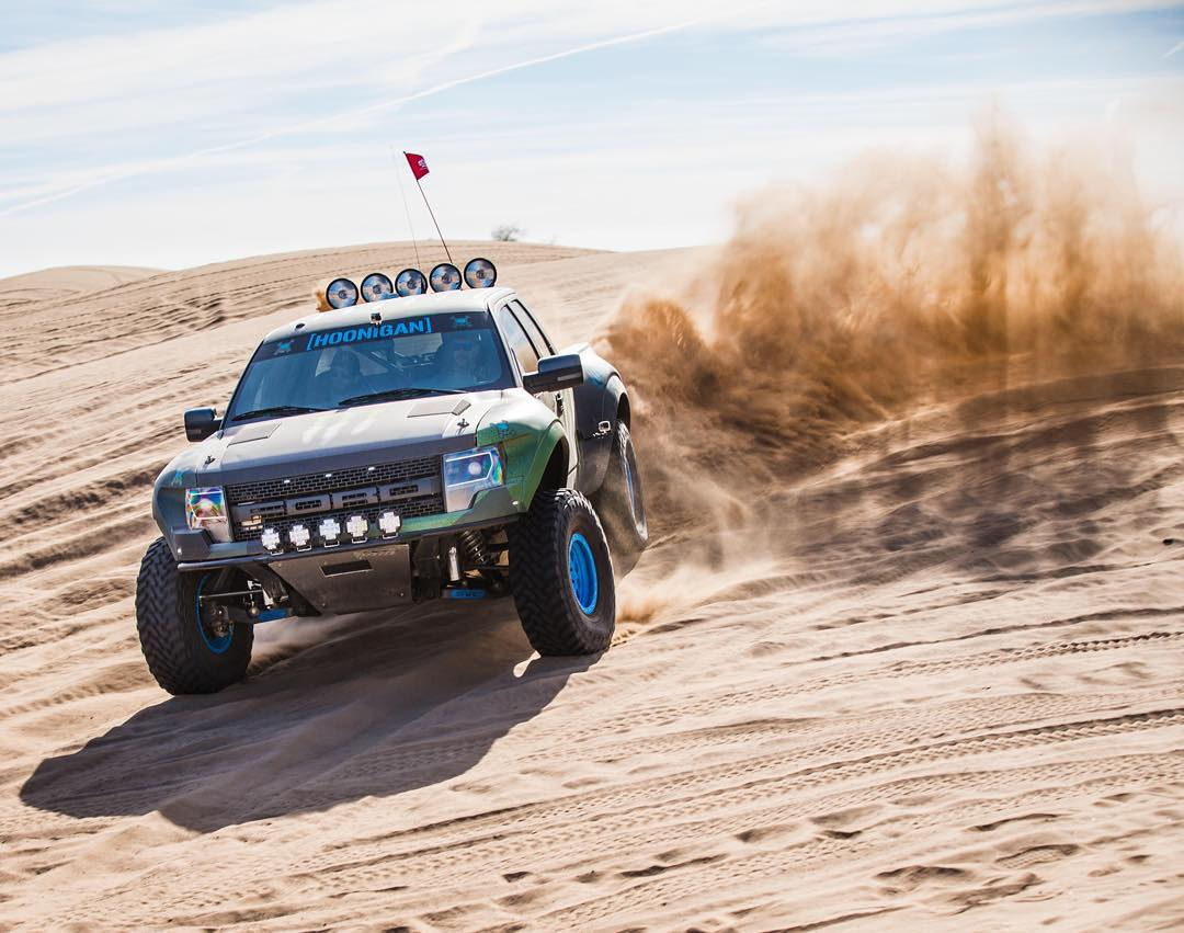 Another gratuitous sandy Raptor prerunner slide photo. Just for you. Enjoy. @MonsterEnergy #Doonies2 @OfficialSVC #donthategetav8 #FordRaptor