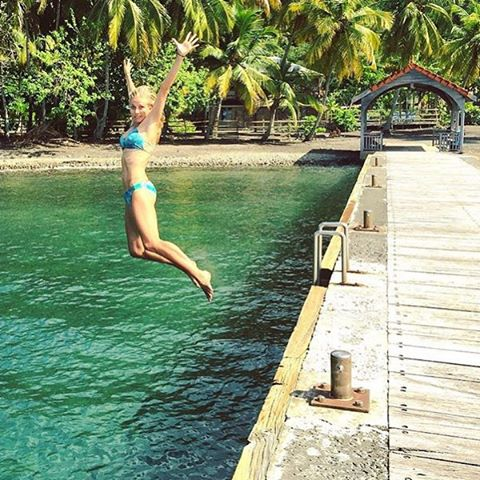 Friday's got us jumpin for joy too! #weekendvibes #tropicalvibes @cacale_smtt with a gorgeous #travelgram