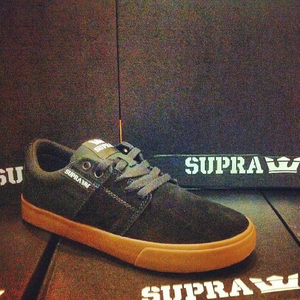 #suprafootwear #suprastaks