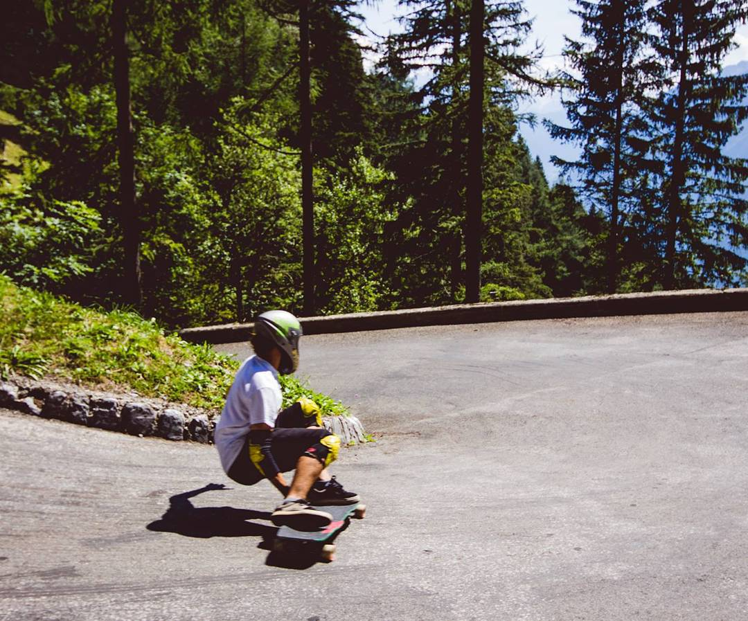 Tight hairpins with @charlesouimet in Switzerland back in 2013 #restlessboards #restlesswim