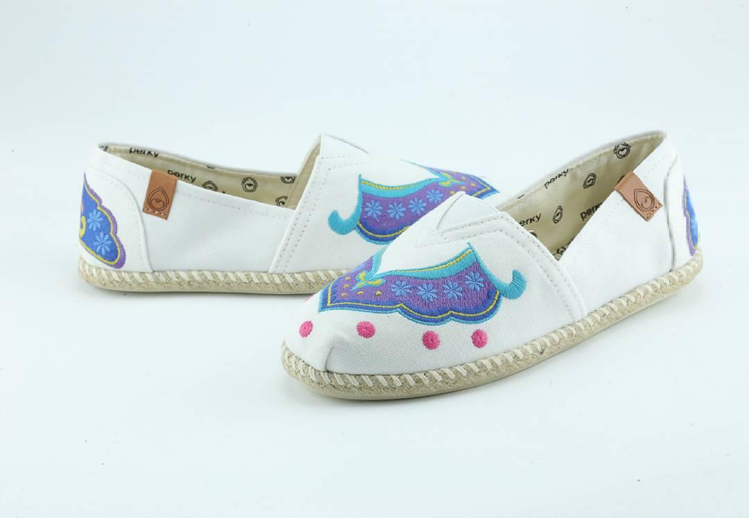 Esa lindura te espera... INV15 @perkyshoesar #Perky #shoes #style #folk #indie #look #amor #amorxperky #love #alpargatas #hippie #surf #moda