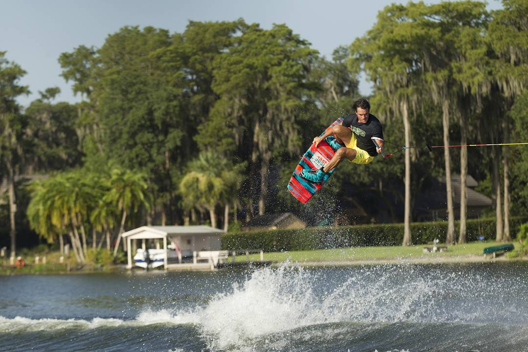 Jobe Maddox – A board that's as stiff as it gets, giving it a lot of response. The Maddox is relentless and won't fall short nor disappoint, this is without a doubt the board to ride behind your boat!