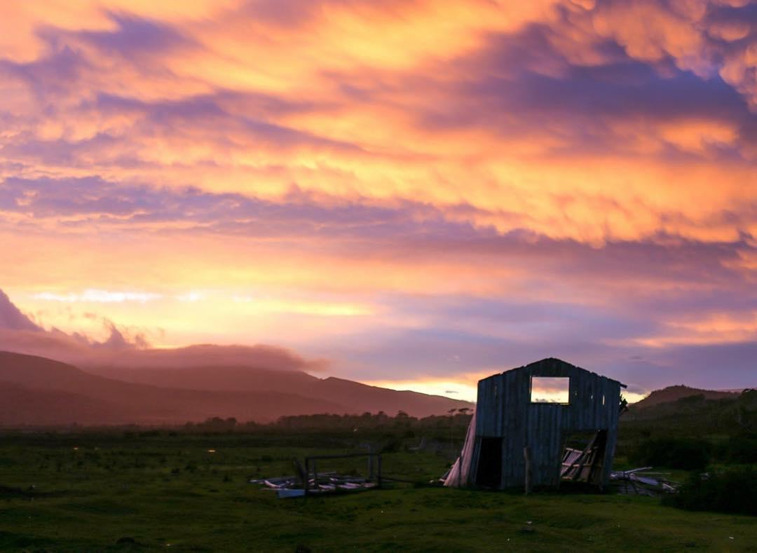 De a poco el clima y el tiempo se van llevando los restos de civilización en Peninsula Mitre. #tierradelfuego #conservemos