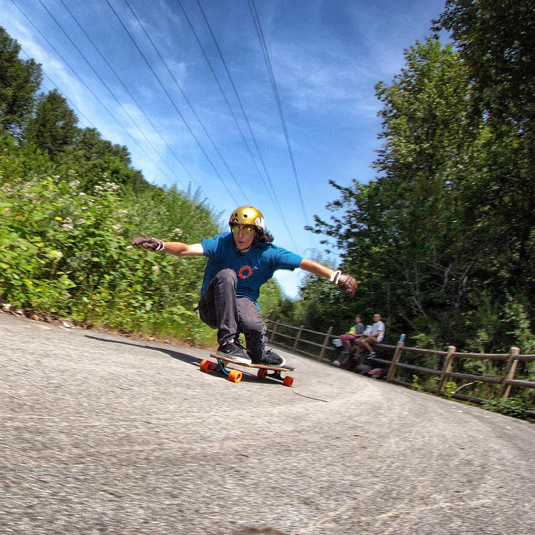 Taking it one turn at a time, @sho_ouellette makes the most of a sunny day and flies through a swooping righty.