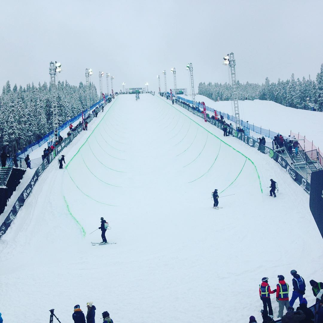 SOS does #dewtour -- not a bad view for the Men's final super pipe! #gobigorgohome @nbctv