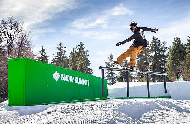 We are 100% sure this is Jonathan McDonald (@shr3dmambaaaa) at @Snow_Summit Photo by @Jared.Meyer #snowsummit #summitstyle #snowboarding #fluxbindings #jonathanmcdonald