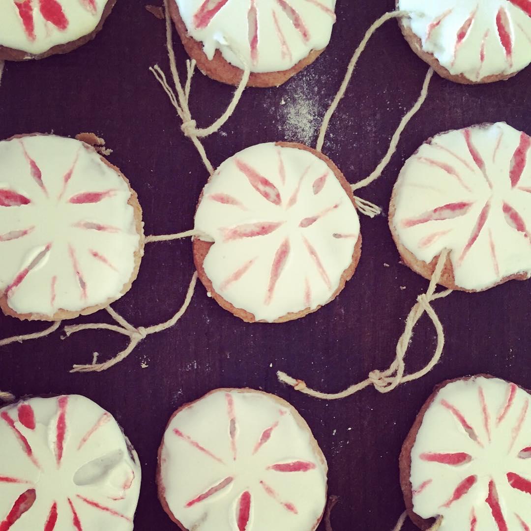 Galletas-bolas navideñas! Para comerse al arbol! #navidad #christmastree