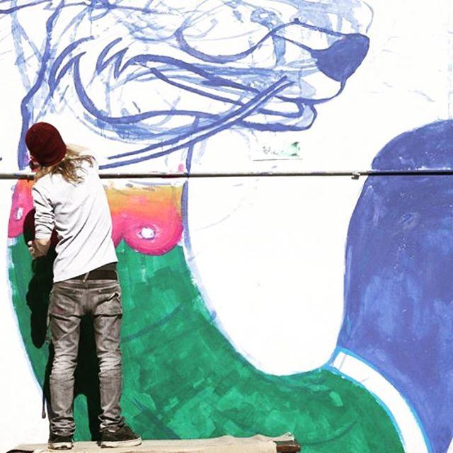 Viktor Nash y sus criaturas en un tremendo mural en proceso... #featuredartist @viktornash #truetothis