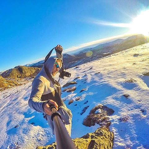 Snowing in Norway  @pilotviking rocking the Surf frames  #Kameleonz #Picturesque #Norway #lifesabeach #EnjoyTheRide
