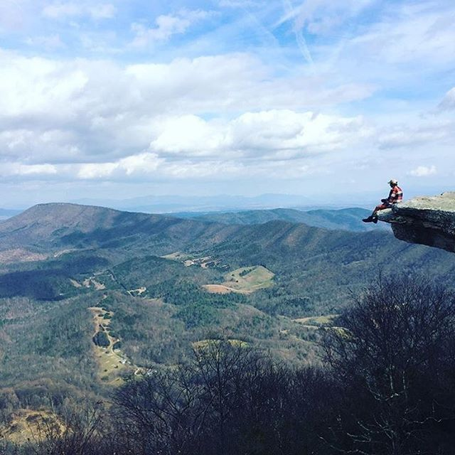 @charlesbelieves posting up with a view for the ages! Hikers can get you places. ⛰