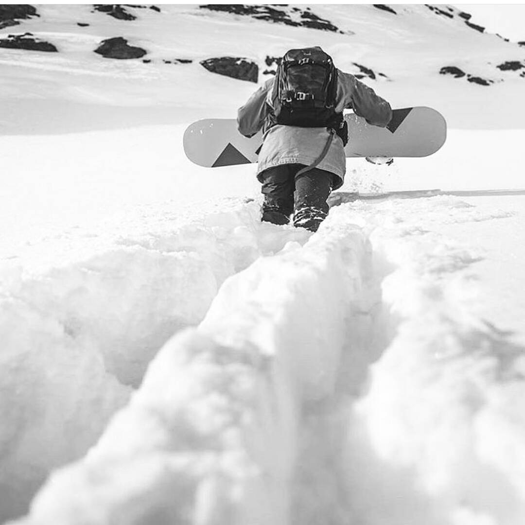 @GPWack is out there hip-deep, earning his turns on his #Algernon from @LoadedSnow  Photo: @snowfront  #LoadedSnow #LoadedBoards