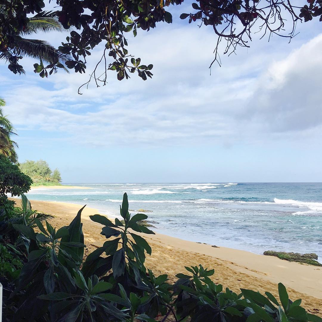 Find yourself on hidden beaches #travel #explore #adventure #beachlife #kauai #traveltuesday #OKIINO