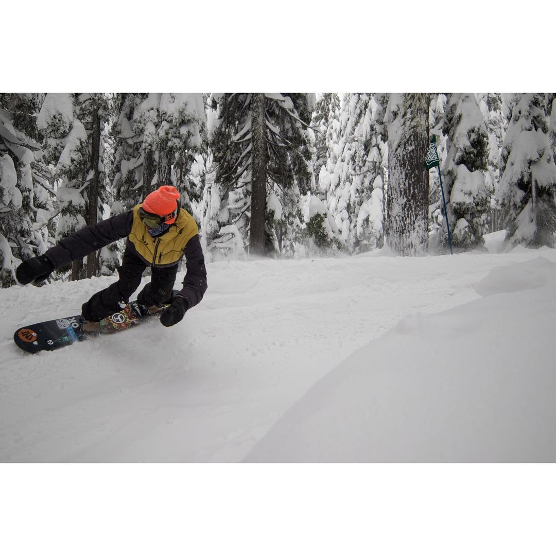 @eldulche in the #DirksenDerby, it looks like the #GreatNW is getting its #earlyseason on this year. #futurefreeride #PowWow