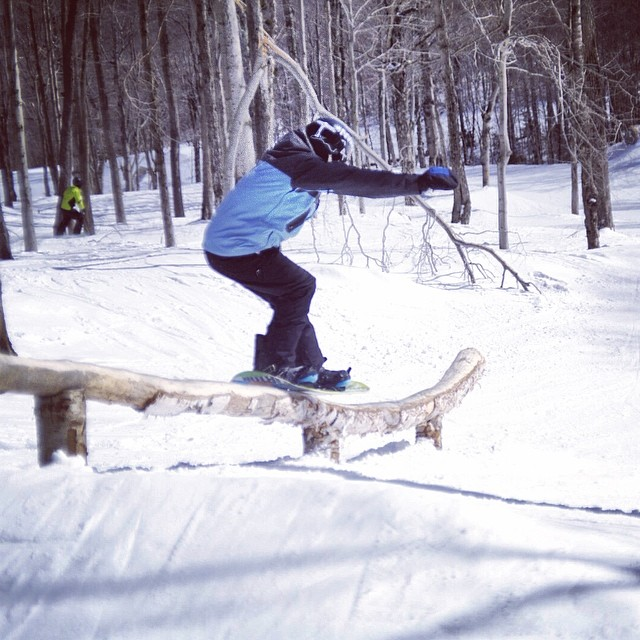 Our season in NC is almost over, but team rider @_lukewinkelmann is up north still having a blast // #stzlife #professionaloutsider #treejib #happyshredding #burtonsouth
