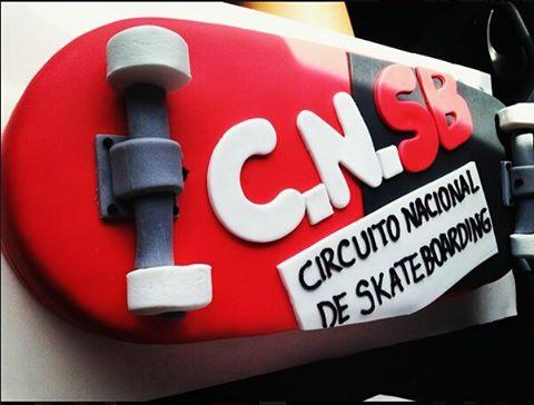 Todo sobre ruedas en la final del @circuitonacionalsb  #todosjuntosporelskateargentino #torta  #skate #final.