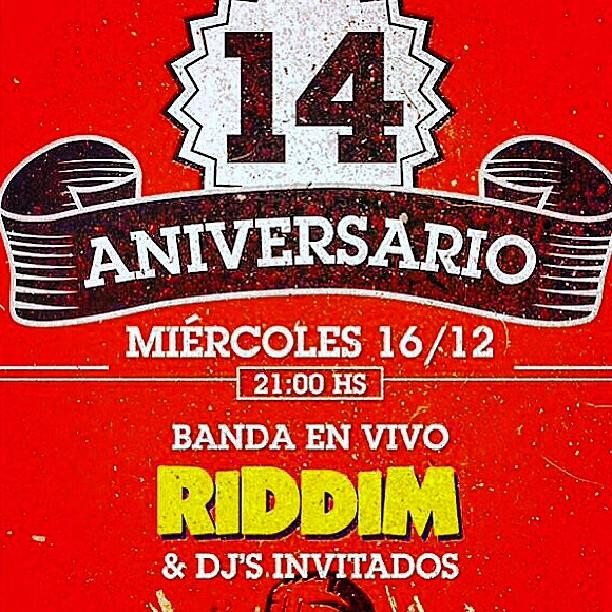 con los amigos de #carnalbar cumplimos 14  años junto a #riddimreggae digo cumplimos porque casi q arrancamos juntos. Gracias por el apoyo de siempre! djs @dj_diego_olba @mariastorni