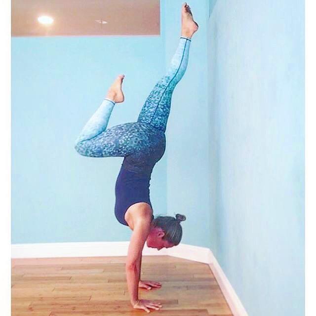Do something that scares you, every day.  Pants: @_okiino_ #yoga #yogapants #handstands #wcw #sea #street #studio #OKIINO #womancrushwednesday #repost @gigiyogini