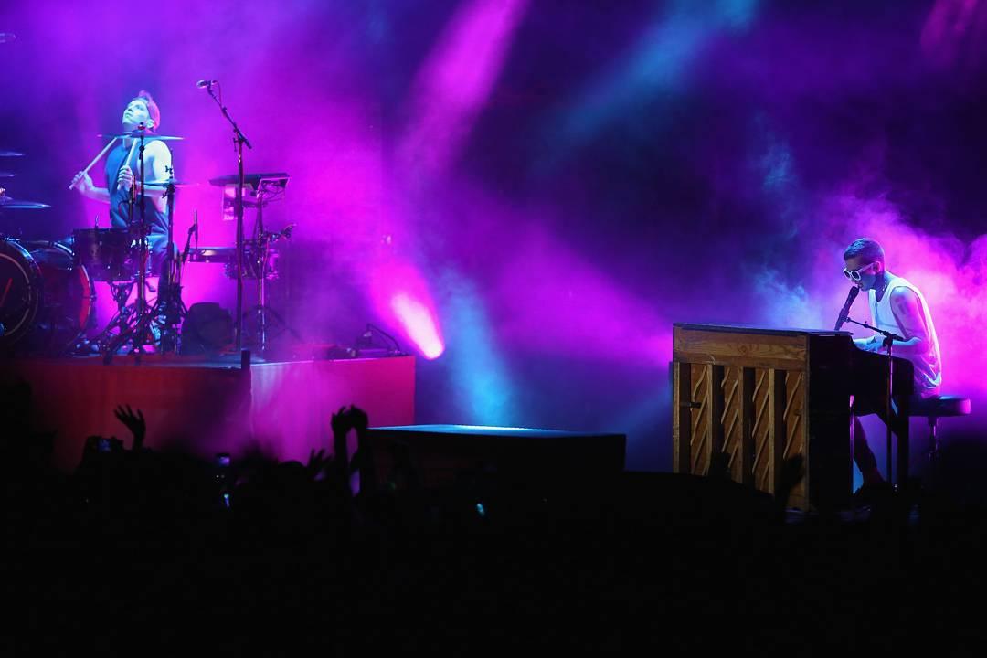 "@TwentyOnePilots • @JoshuaDun– Drums • @TylerrJoseph– Vøcals/Pianø • Cølumbus, Øhiø • Søld øver 45Ø,ØØØ albums • ""Blurryface"" debuted Nø. 1 ønBillbøard • Set tø perførm at#XGamesAspen øn Jan. 29"