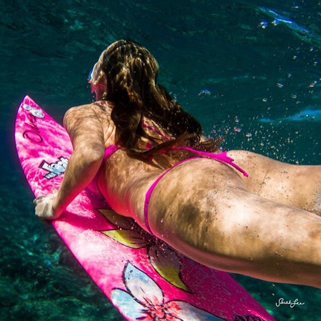 Life is better in #eco #pink !!! @lostsurfboards @mayhemb3_mattbiolos @sustainsurf @etechboards @odinasurf photo by @hisarahlee