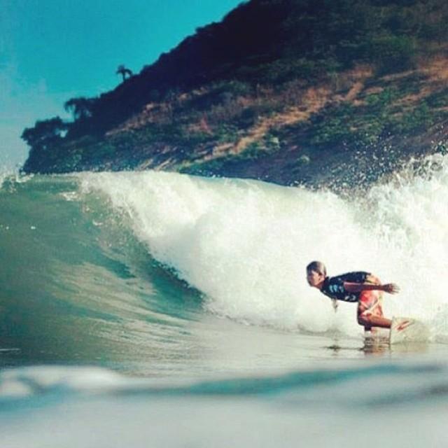 SOUL SURFER! @cutiarreyes con toda ✌ #soul #surfing #waves #reefargentina