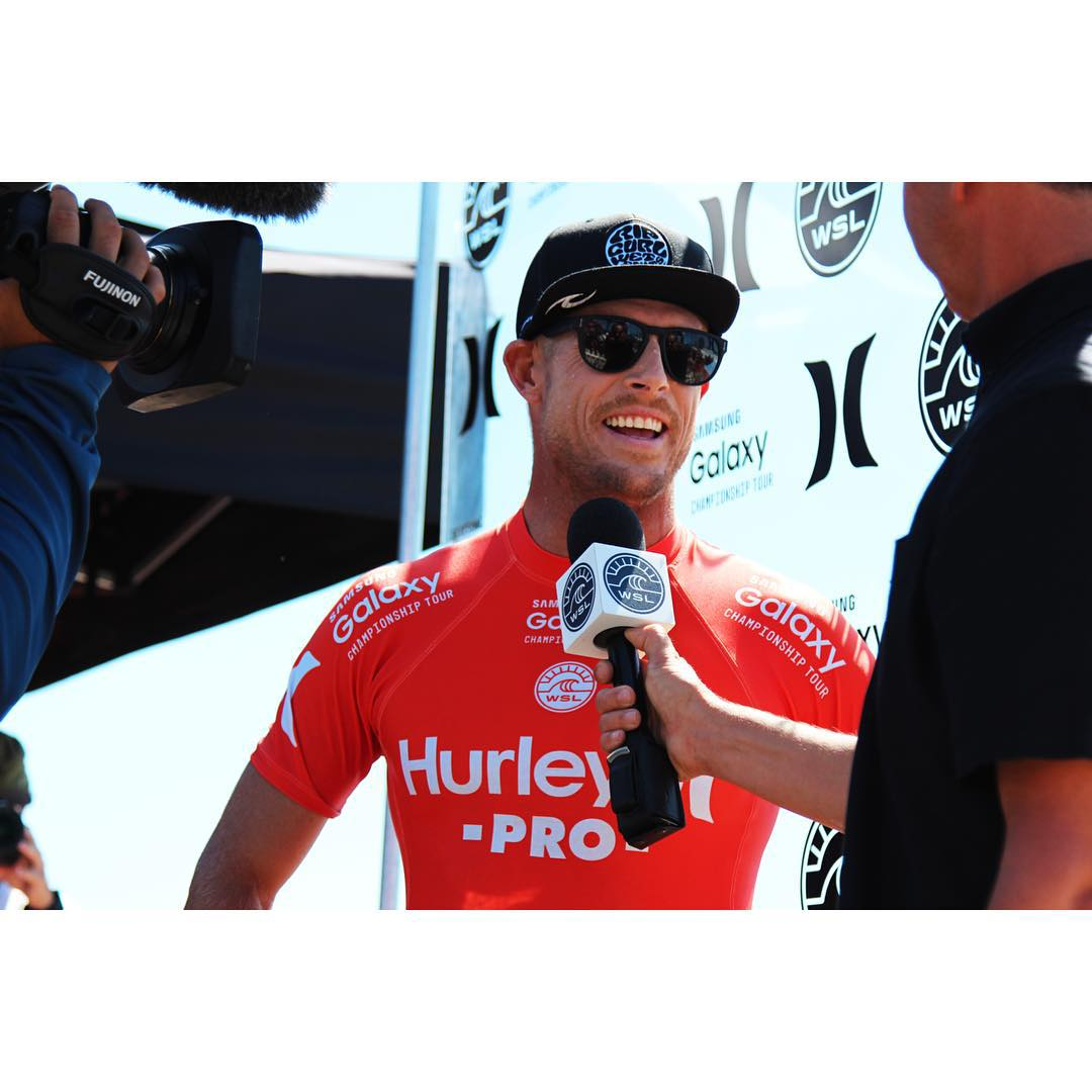 Mick Fanning is on to the finals vs De Souza at the #hurleypro  Australia vs Brazil! Women semi finals is going on now and don't miss both men and women finals today at #trestles #surf #surfing #hurley #hurleyprotrestles #ripcurl #wsl #actionsports...