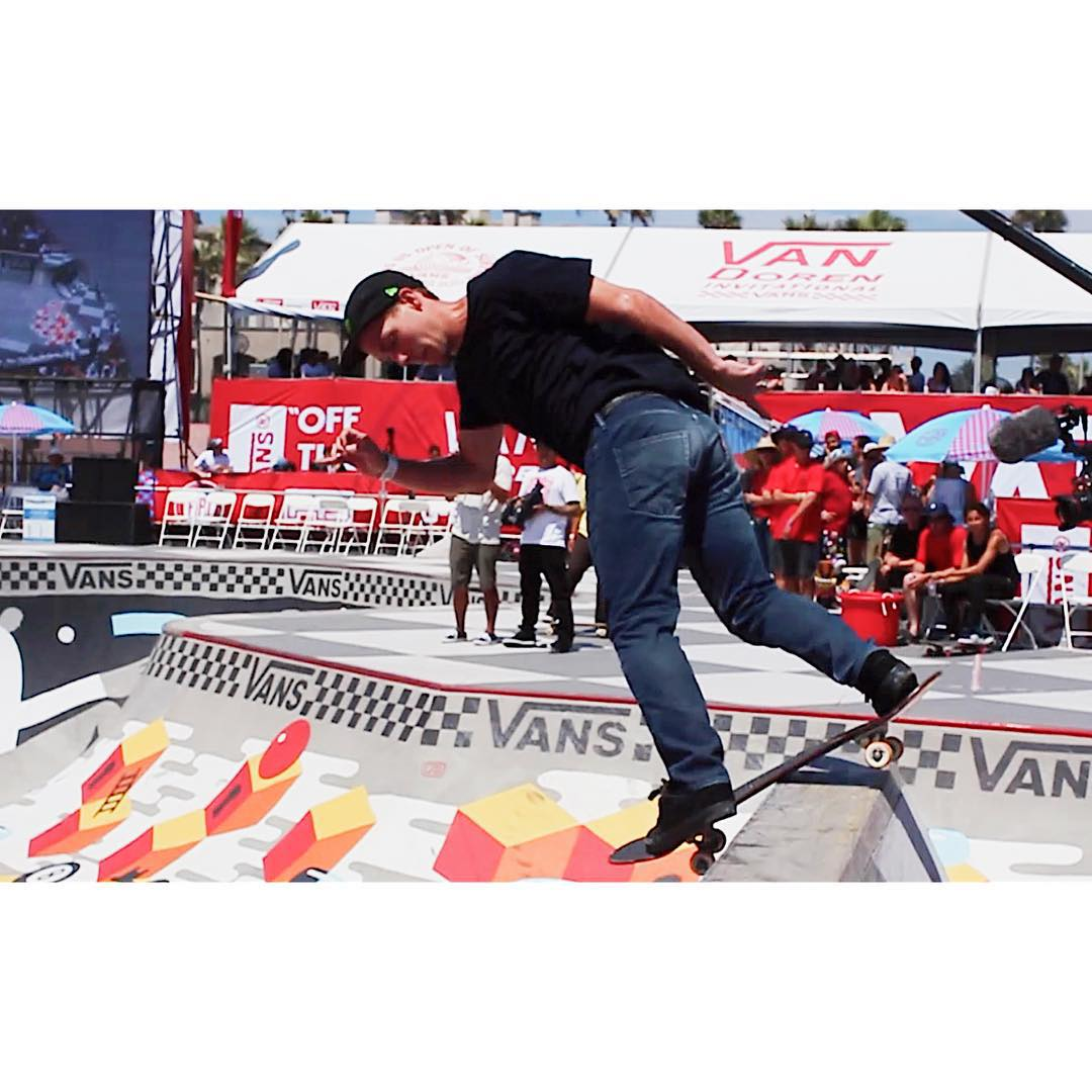 Congrats to @benhatchell for grabbing the gold in Men's Pro Skateboarding today at the @usopenofsurfing . This guy is a beast! #vans #vansusopen #redbull #gold #pro #usopenofsurf #vandoraninvitational #skate #monsterenergy #skateboard #skating...