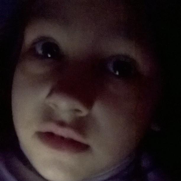 Una de esas selfies que descubro, Helena nena precoz.