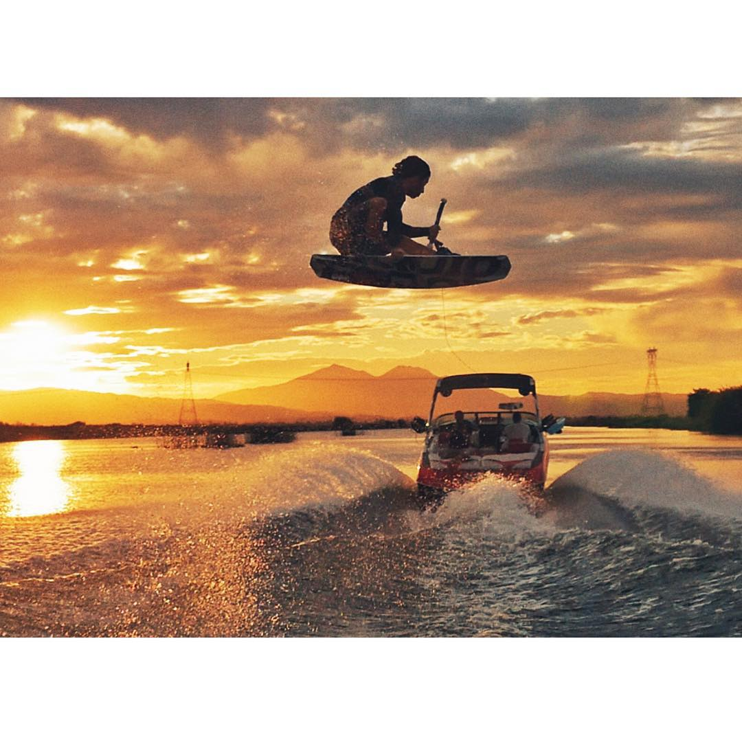 Give @dogdayzfilm a follow! They are still out filming while most of you are sipping coco by the fire. @cookslooks aka Derek Cook taking full advantage of an insane late fall Delta sunset. Movie releasing mid Spring 2016.  #LiquidForce #dirtydelta...