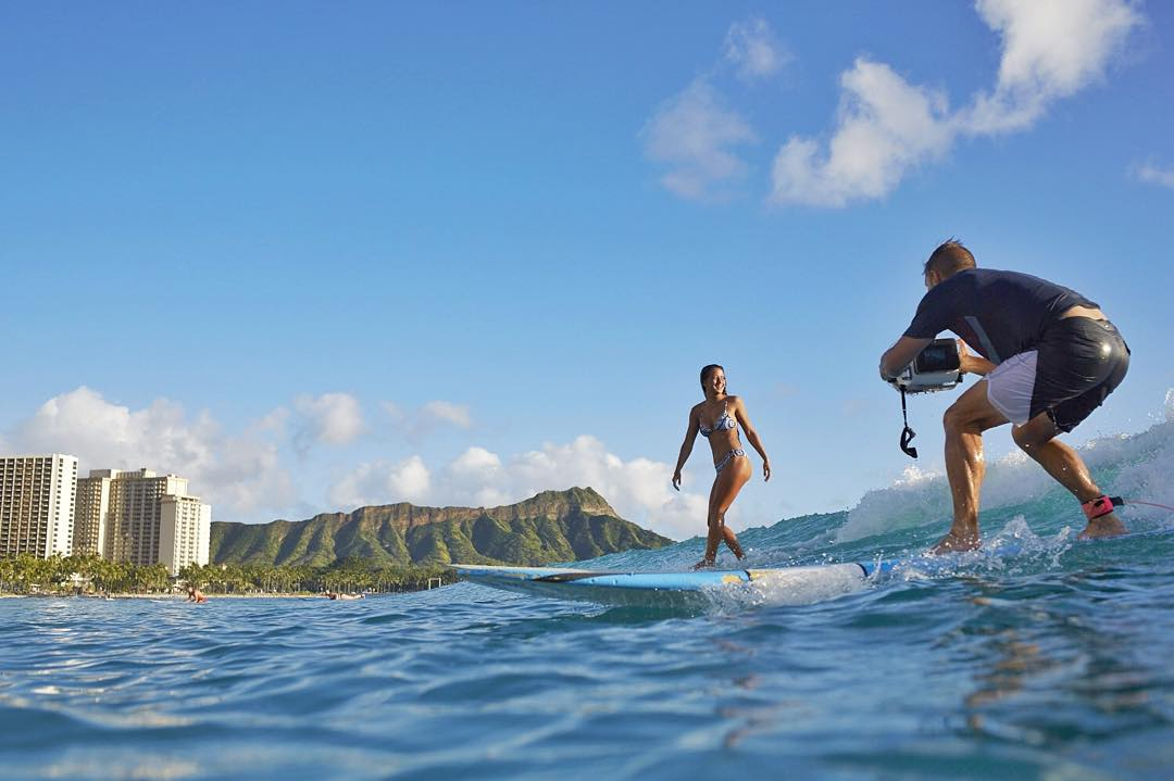 Waikiki slide show with @maineikinimaka #ROXYsneakpeek