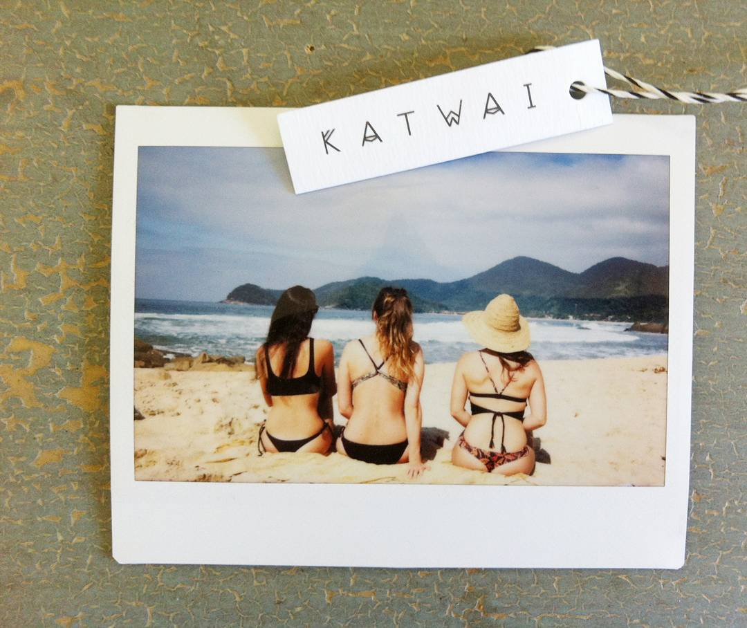 Enjoy with friends #katwai #swimwear #surftrip #friends
