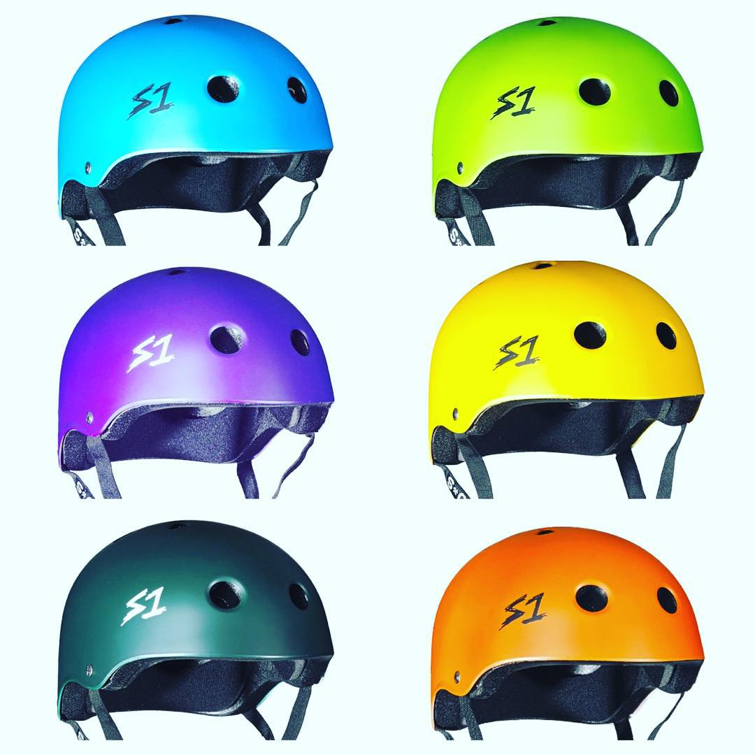 It's not too late to get an S1 Lifer Helmet for a friend or family member for Christmas . Ask your local skateshop or check out the online shop - link is in the S1 bio. #s1helmets #greathelmet 5x more protective than traditional soft foam skate...