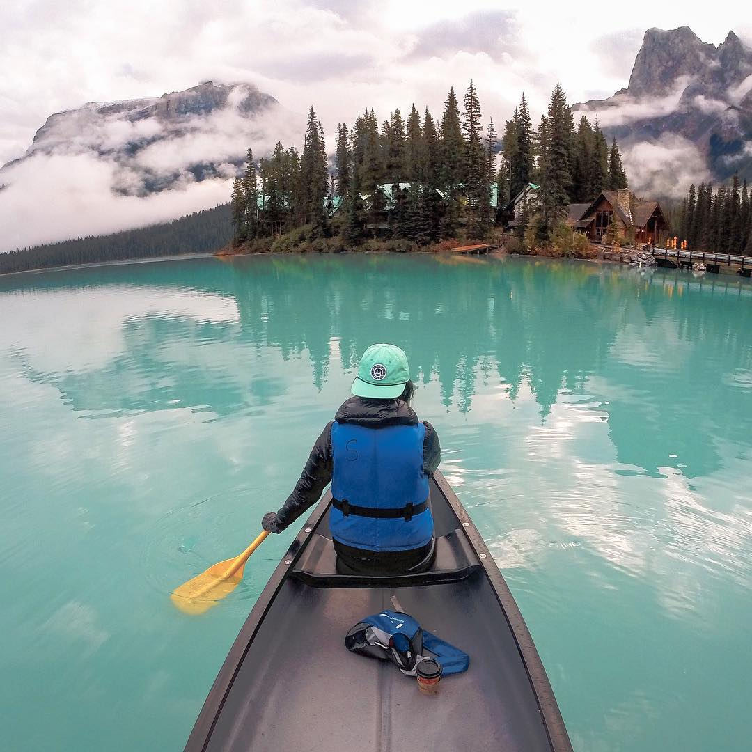 Photo of the Day! Congrats to #GoPro Award recipient @seattlestravels. Capturing the beautiful turquoise waters of #EmeraldLake earned her a well deserved $500! You can be rewarded for all your best content, submit by following the link in our bio....