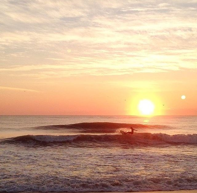 #miholidays mean… chasing the sun ☀ || with ambassador @yokeens in the #obx || #getoutthere #myholiday #sunset