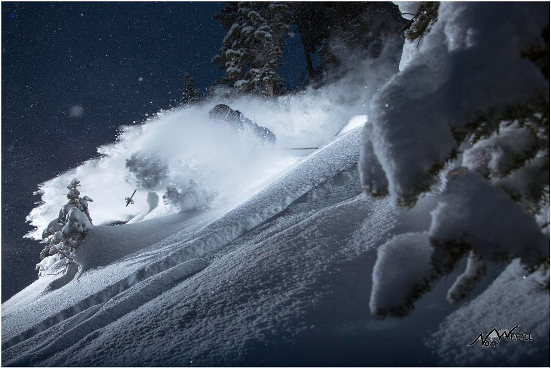 Sometimes the best turn is the last one before the bar. @drewpeterski blowing up the night pow @altaskiarea. Photo: @lightpolecreative. #dpsskis #powder #skiing