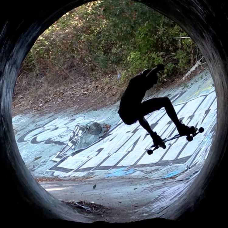 DRC going #HAM on #DIY park during team trip #Snowboard the Streets #Freebord #Freebording