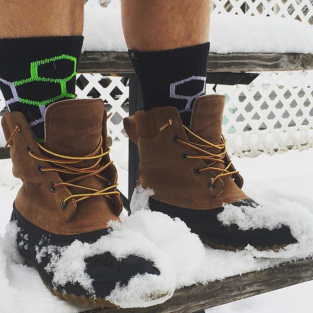 Soak that first day of #winter up in some #NeonBandits, #beanboots and #shorts #snow #colorado @vergecampuscuboulder