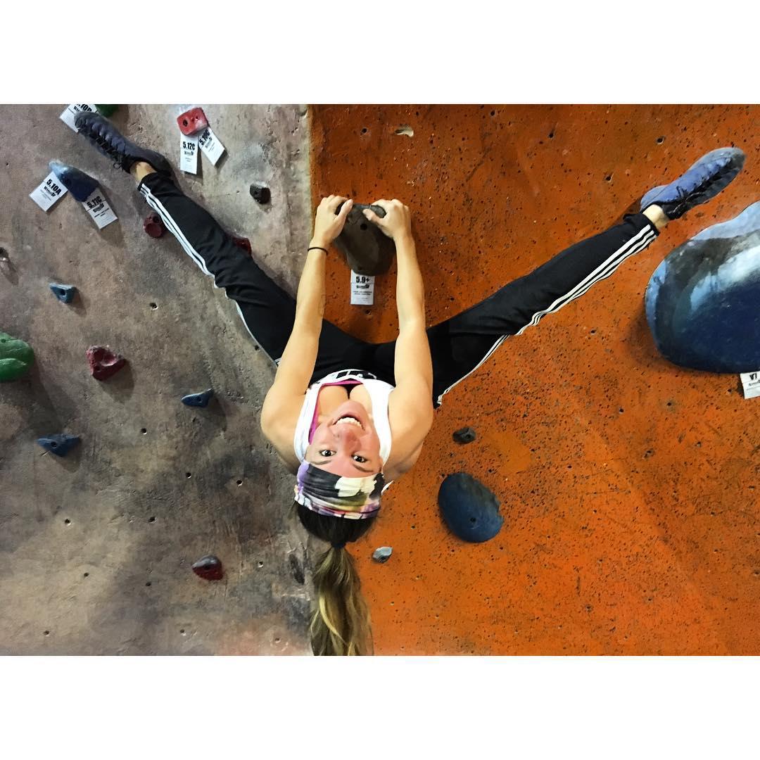 Somebody needs to teach me how to properly do this... #rockclimbing #rockclimb #adidas #actionsports #gym #gymnastics #upsidedown #graceflix