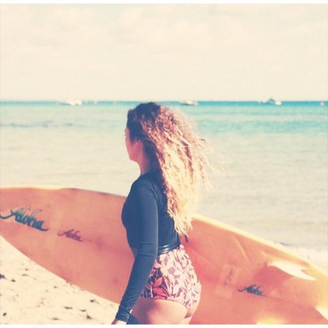 Aloha • Hoy Showroom en San Isidro • Gascón 83 • De 14 a 18 • #katwai #summertime #surfsuit