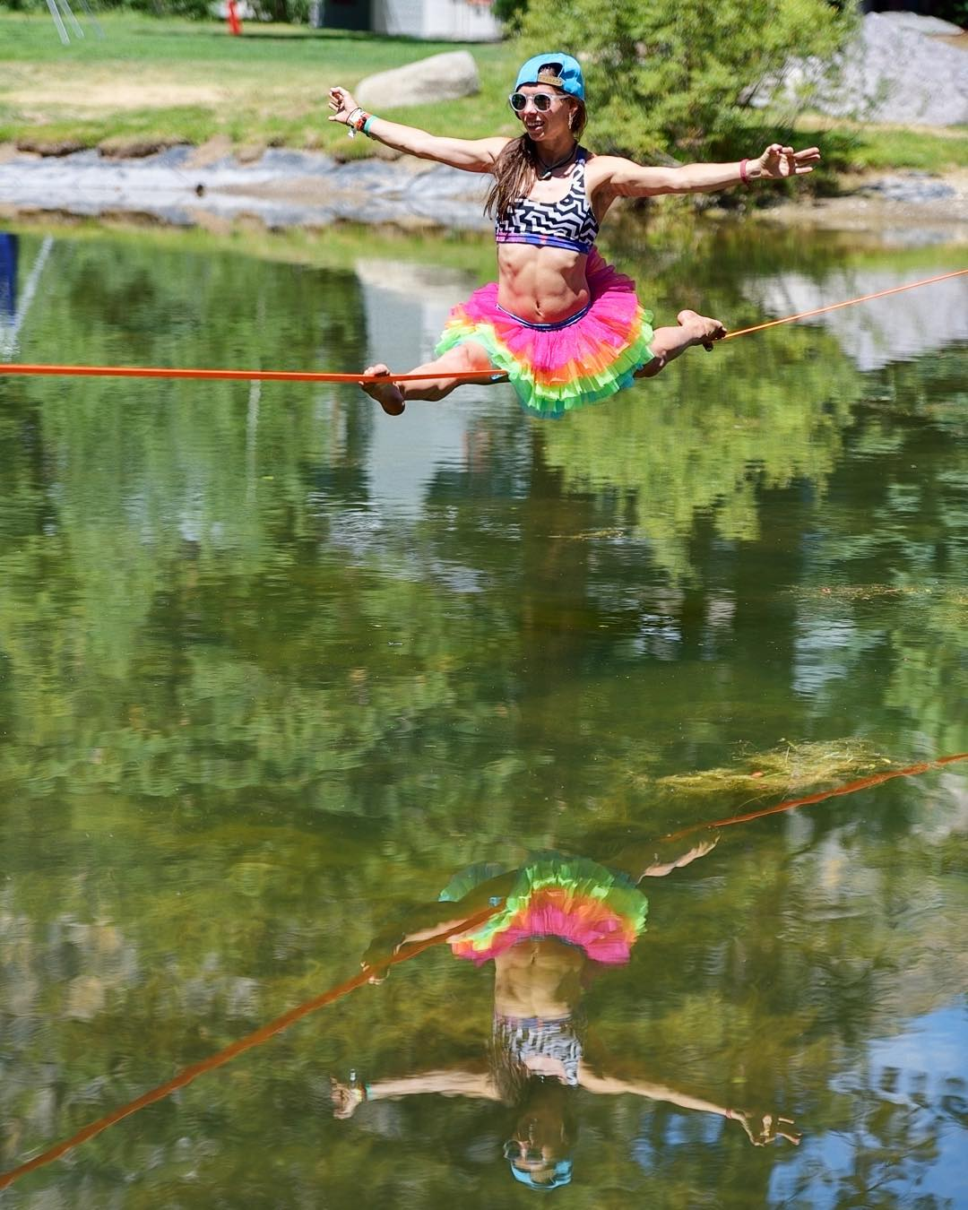 Dipseas do amazing things for your balancing ability! (No promises...) Epic photo of @lizasouras captured by @a4gpa #ericwardphotography #yogaslackers #slacklife #slacklineyoga