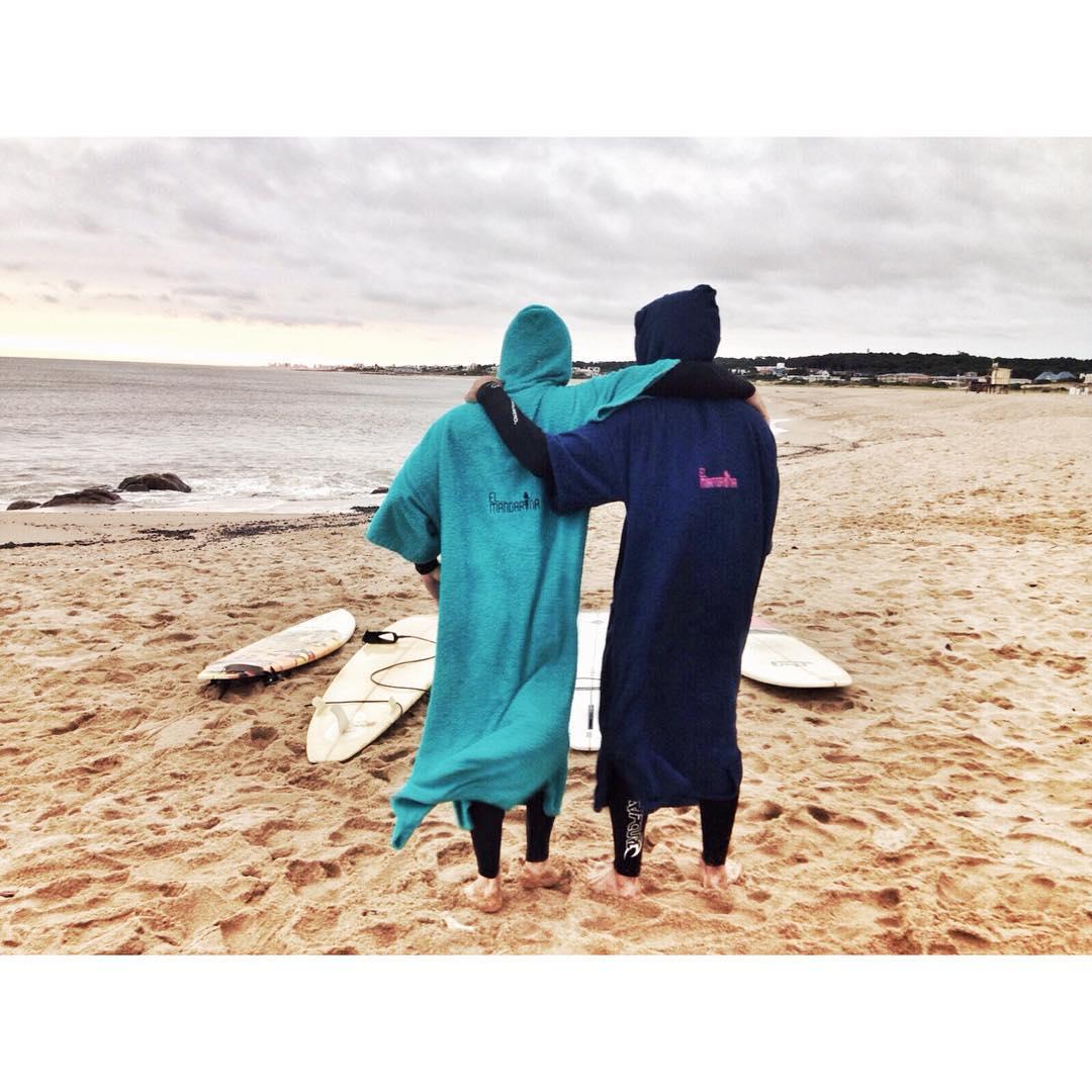 Dos grandes surfistas, desde Punta del Este, disfrutando de sus vacaciones ✌