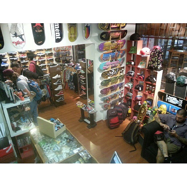 right now #ShineSkateshop #galeriaplazaitalia