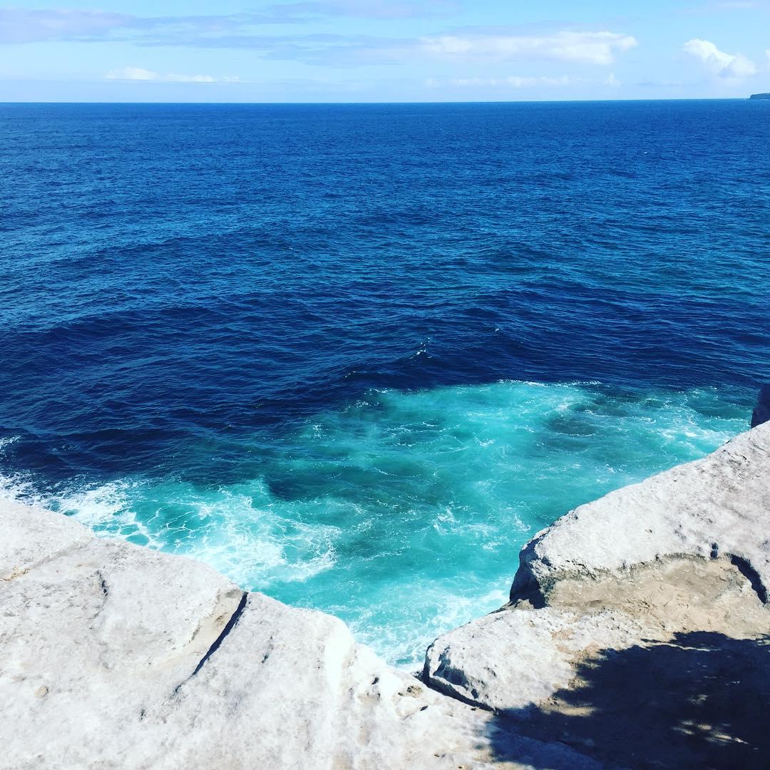 Rincones que abrazan! #australia #trippingmood #ocean #sea