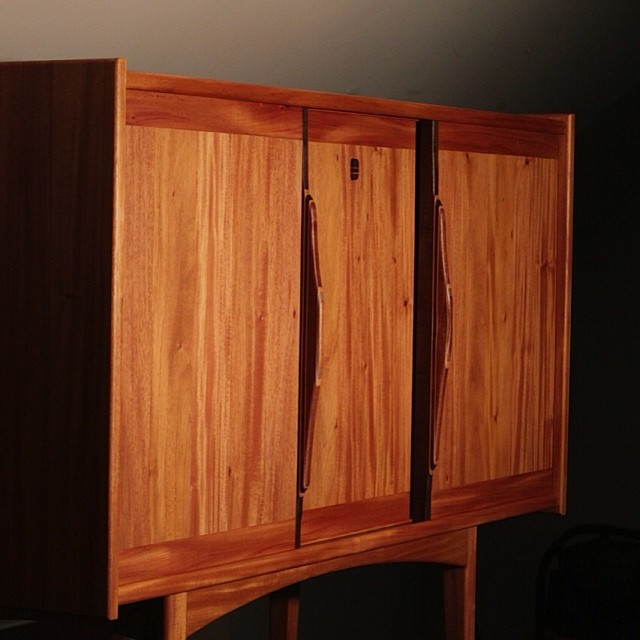 The hollycowa credenza.  To another master of his craft. @drvnstudio @hollycowa