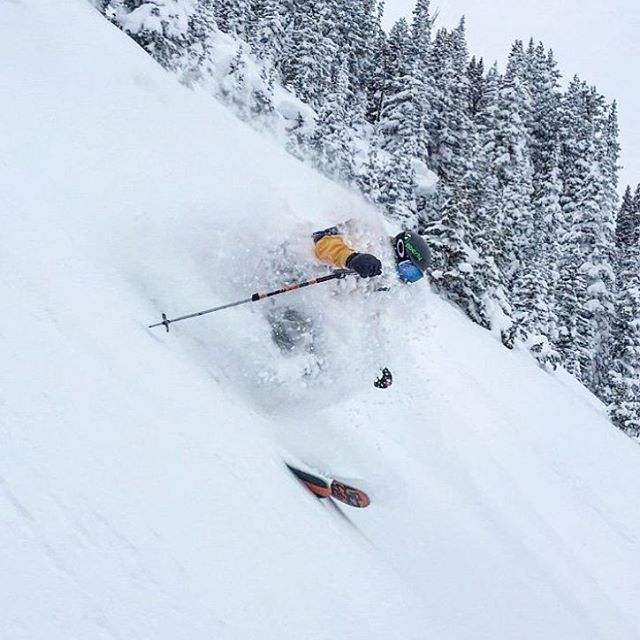 It was a powder filled Christmas.  Merry Merry to all. Skier: @dougtheskier PC: @lonesomepony  #embracethestorm   #flylowgear