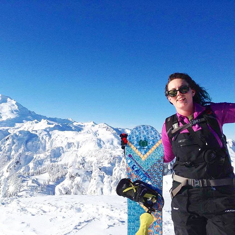 Ambassador @zoefloweee enjoyed bluebird turns on our #myth all mountain snowboard. And how about that view?!