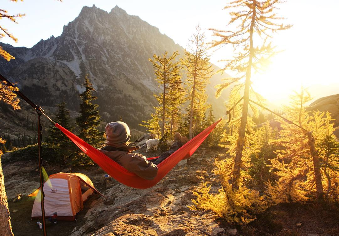 Time for some mountainside relaxation. PC: @rafaelgodoi