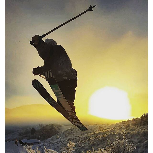 Pocatello local Lee Swassing with the backyard sunset steez... #TribeUP backyard sunset steez!  Photo: @keeleyswoll  Repost: @leeswassing  #PandaPoles #PandaTribe